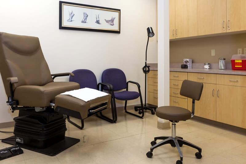 Patient-Examing-Rooms-Preferred-Foot-and-Ankle-office-Podiatrist-Gilbert-AZ
