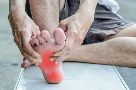 nerve damage in feet causes